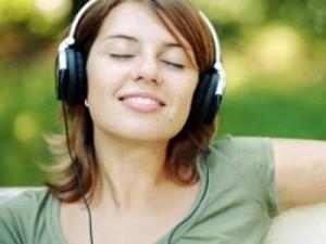 Hãy giúp người bệnh nghe nhạc để giúp tinh thần thư giãn