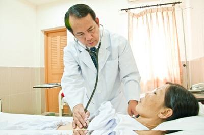 Nguyên nhân làm vết mổ đau sau khi phẫu thuật trĩ và cách xử lý
