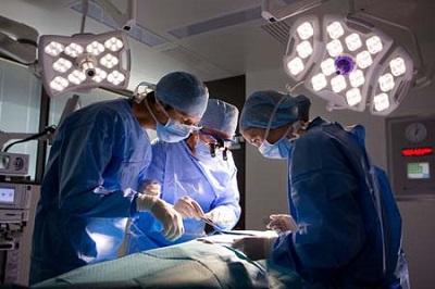 Cách giúp vết mổ mau lành sau khi phẫu thuật trĩ