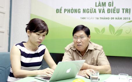 Bác sĩ chuyên khoa II Nguyễn Hưng Củng trực tiếp trả lời các câu hỏi của độc giả Dân trí.