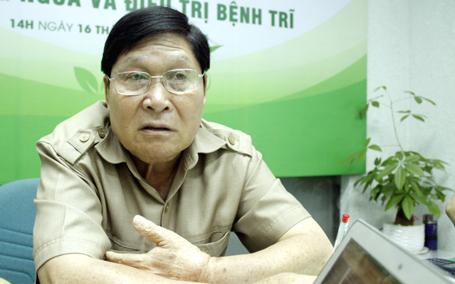 Bác sỹ Phạm Hưng Củng nhấn mạnh, điều trị nội khoa bảo tồn phải kiên trì 2-3 tháng