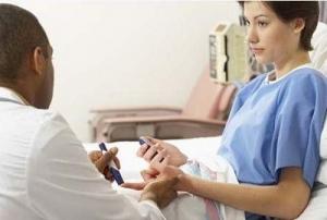 Có nhiều phản ứng phụ xảy ra khi điều trị ung thư bằng hóa chất