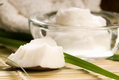 Hướng dẫn cách dùng dầu dừa hỗ trợ chữa bệnh trĩ, chua benh tri